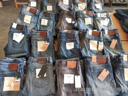 OFFERTA LIMITATA - Stock 250pz. jeans JACK & JONES uomo seriati