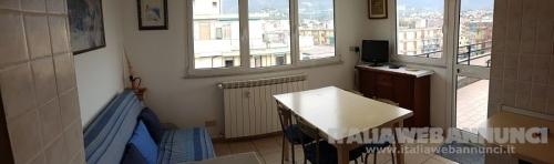 Affitto per vacanze attico con terrazzo panoramico a Borghetto Santo Spirito (Sv)