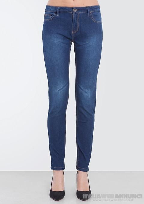Stock 50pz jeans donna firmati seriati imbustati 2019 - 10€